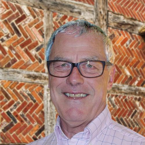 Tony Clarke of R4U